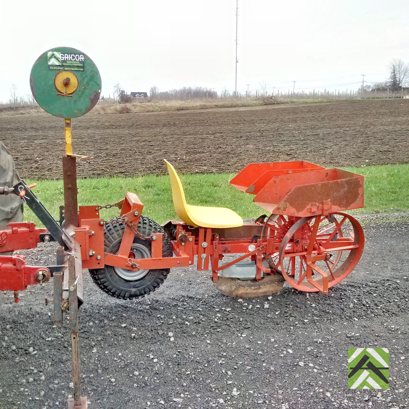 Mechanical Planter For Strawberry Agricor
