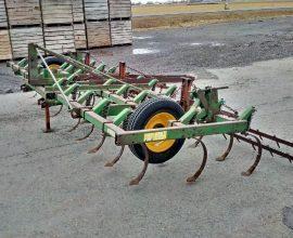 Cultivateur John Deere 15 pieds