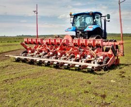 Agricola pneumatic planter for onions