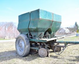 Lockwood potato planter