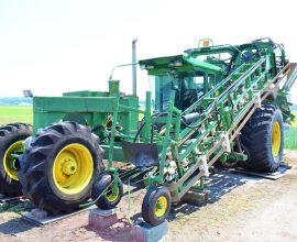 Celery stick harvester self-propelled